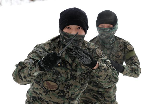 육군특수전사령부 독수리부대, 설한지 극복훈련 5.jpg