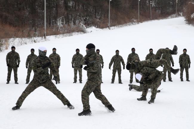 육군특수전사령부 독수리부대, 설한지 극복훈련 2.jpg
