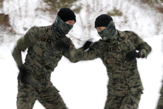 육군특수전사령부 독수리부대, 설한지 극복훈련 4.jpg