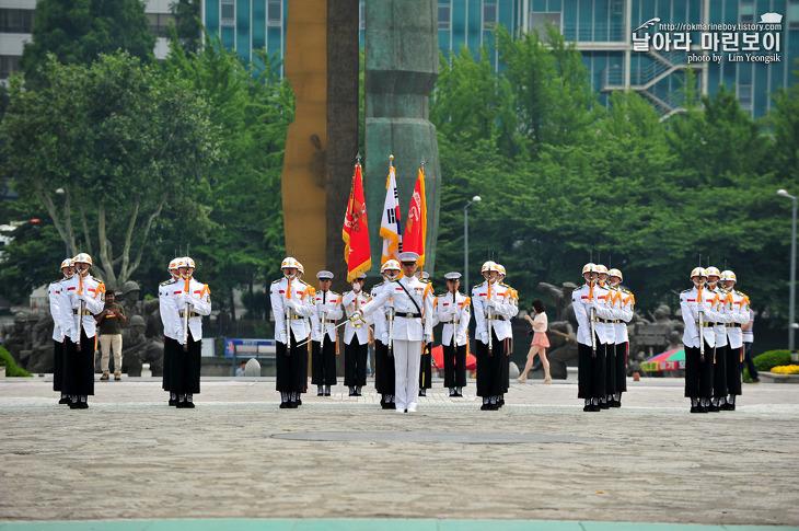 해병대 의장대.jpg
