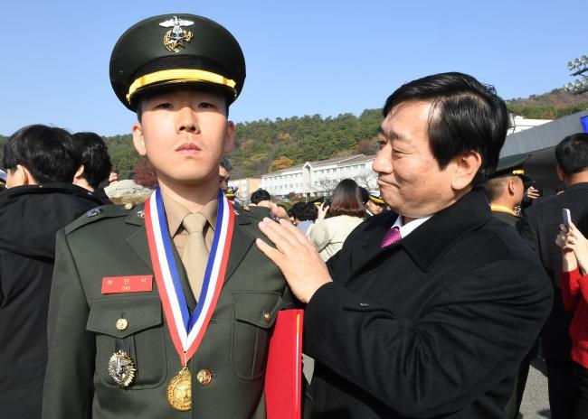 최민석 해병대소위.jpg