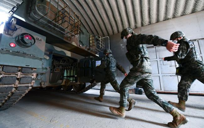 해병대, 연평도 포격 도발 10주기 백령도 일대서 실전적 통합훈련.jpg
