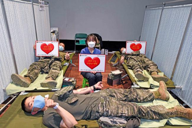해병대6여단 헌혈.jpg