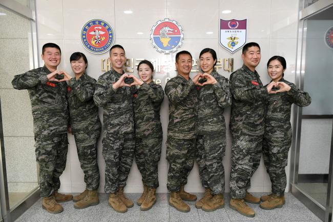 해병대 부부 군인.jpg