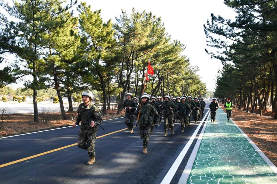 해병대1사단 킹콩여단 무장구보_1_1.jpg