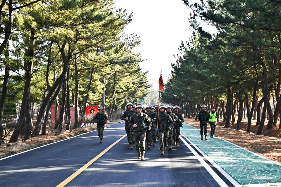 해병대1사단 킹콩여단 무장구보_2.jpg