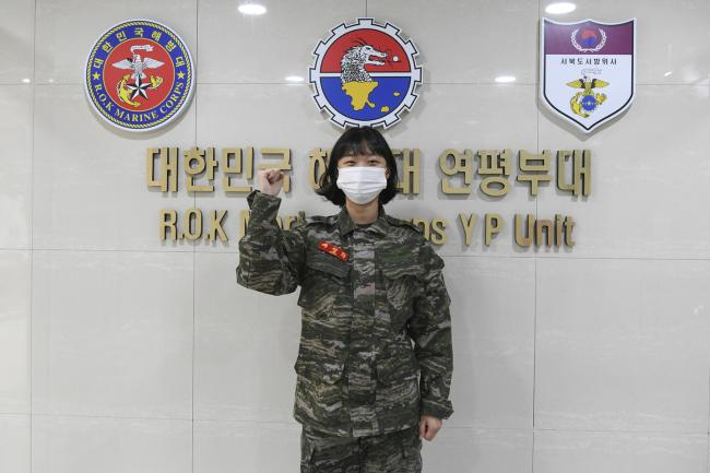 해병대 여군들, 소아암 투병 환자 위해 모발 기증 2.jpg