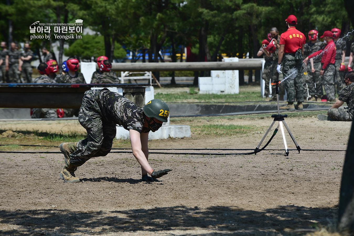 해병대 신병 1257기 2교육대 6주차 목봉 참호격투 5_2453.jpg