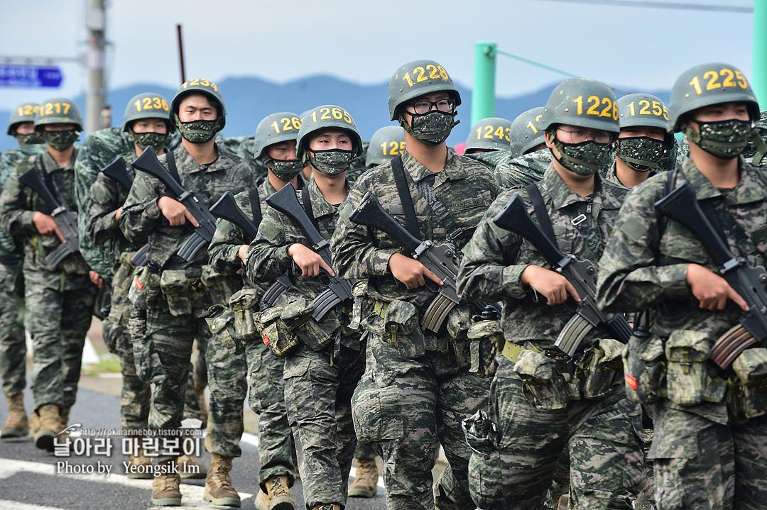 해병대 신병 1261기 빨간명찰수여식_8761.jpg