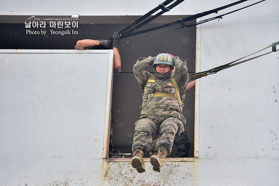 해병대 신병 1261기 4주차 공수기초훈련3_7288.jpg