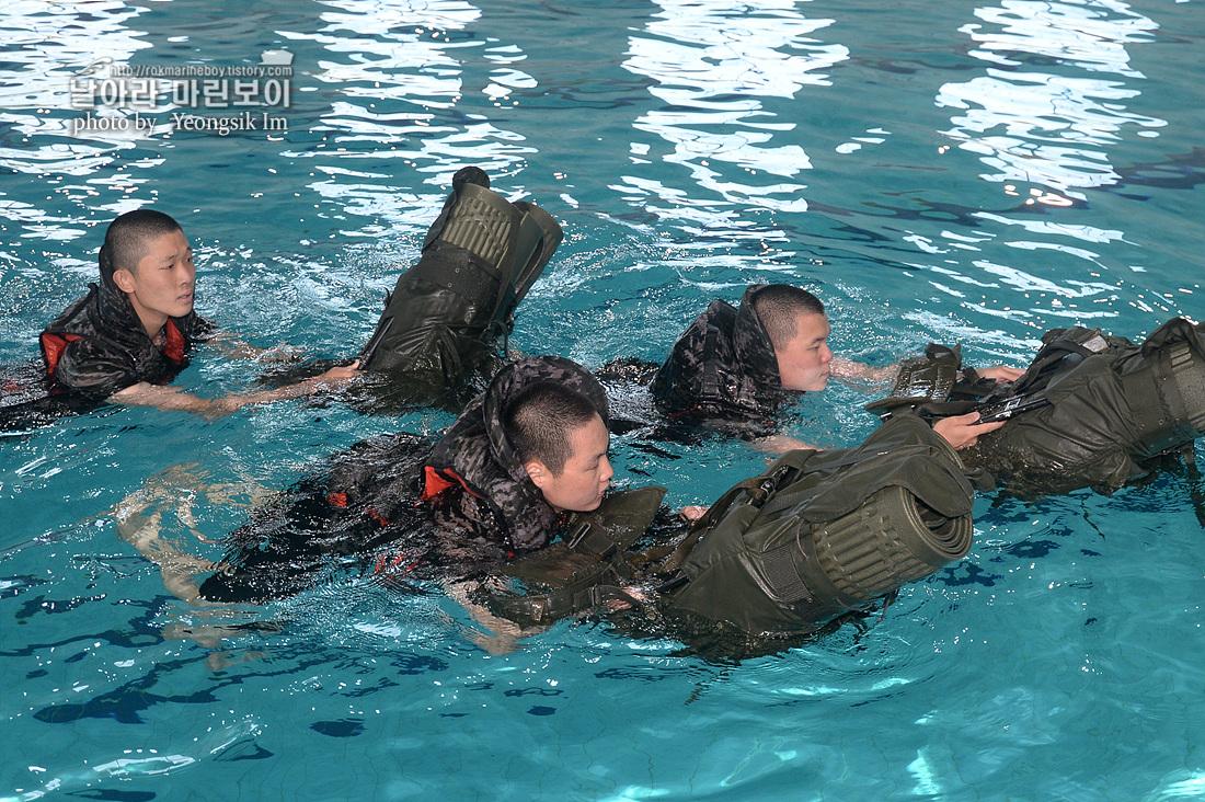 해병대 신병 1262기 5교육대 3주차 전투수영_6538.jpg
