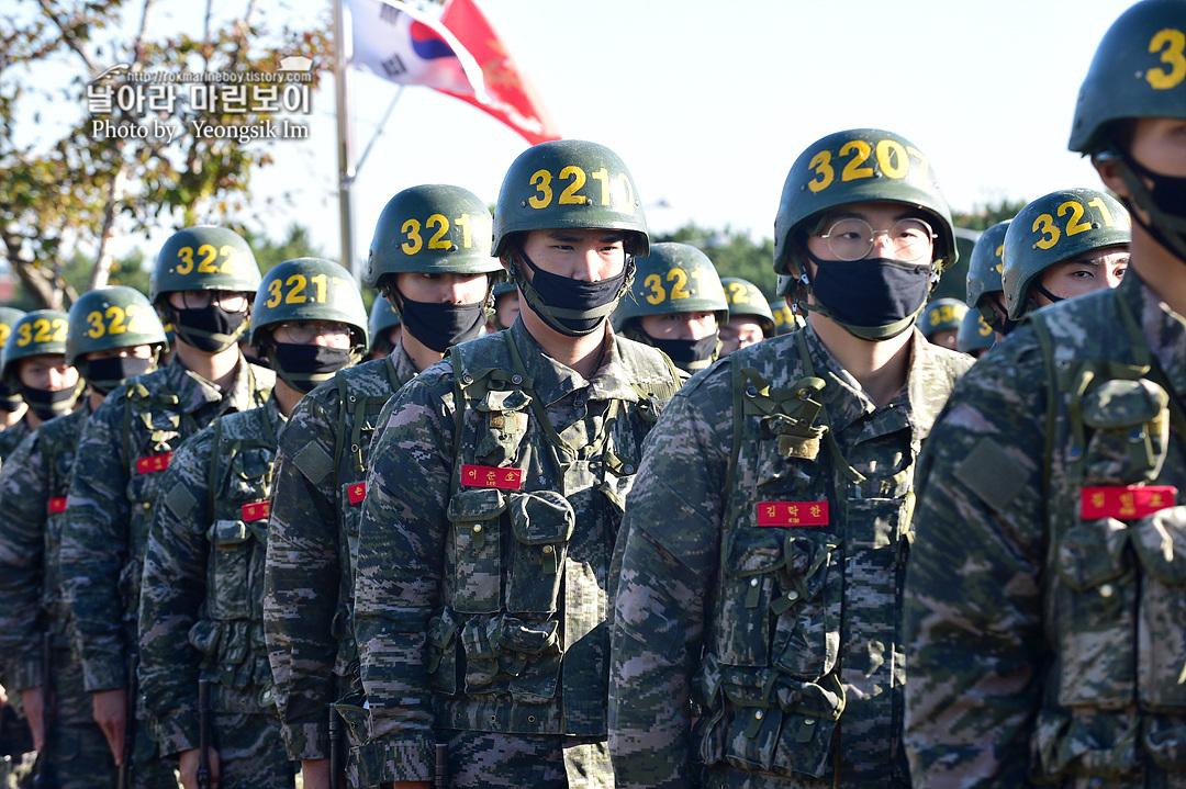 해병대 신병 1262기 3 빨간명찰수여식_9481.jpg