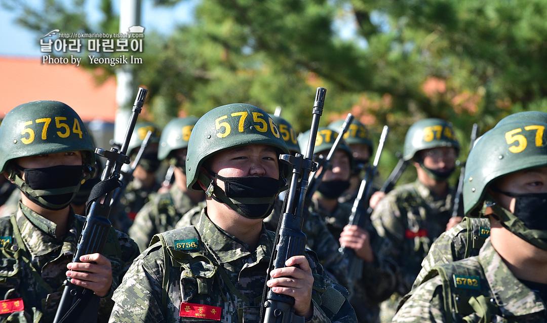 해병대 신병 1262기 5 빨간명찰수여식_9632.jpg