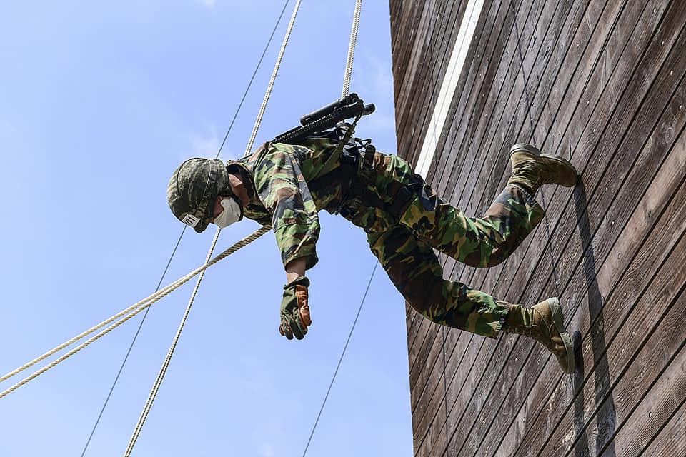 해병대2사단 상승여단 고강도 산악훈련 5.jpg