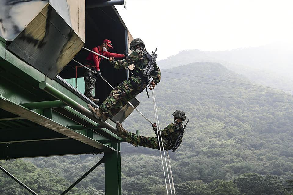 해병대2사단 상승여단 고강도 산악훈련 3.jpg