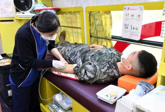 해병대군수단, 사랑의 헌혈 운동을 실시.jpg