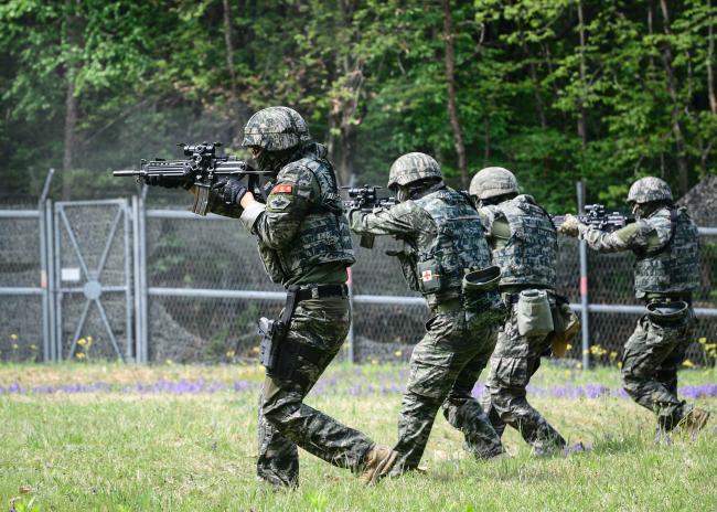 해병대2사단 수색대대 기동사격훈련.jpg