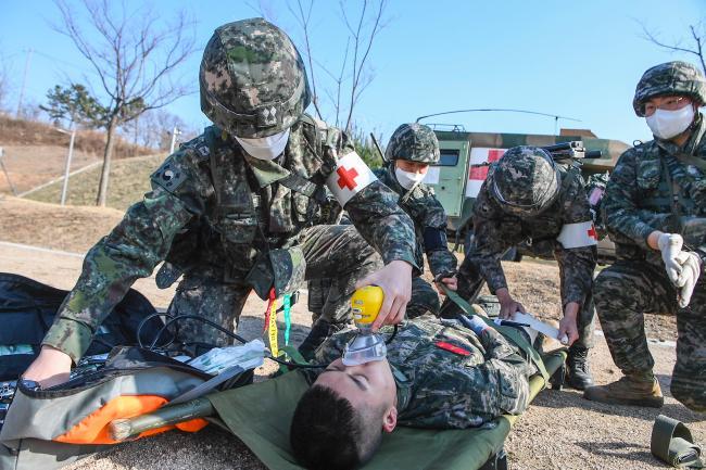 해병대2사단 의무근무대, 대량전상자 처치 훈련.jpg