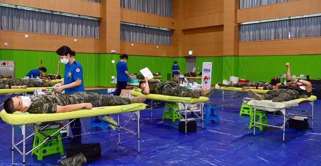 해병대 제6여단, 단체 헌혈로 생명 나눔을 실천.jpg