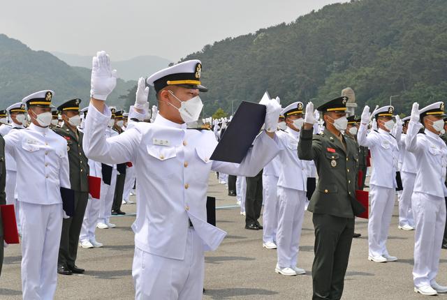 해군해병대 사관후보생 임관.jpg