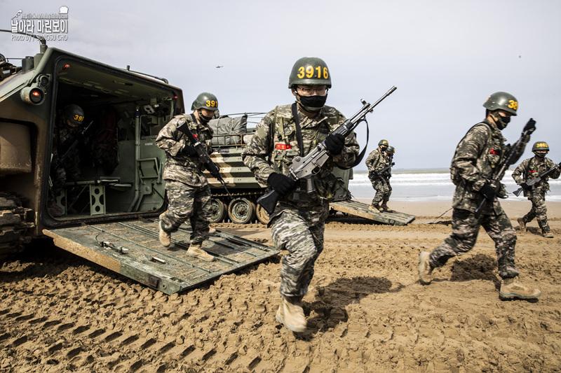 신병 1266기 3교육대 6주차 - KAAV 탑승훈련 3.jpg