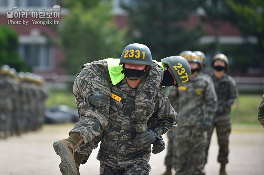 해병대 신병 1273기 2교육대 4주차 전투체력1_2005.jpg