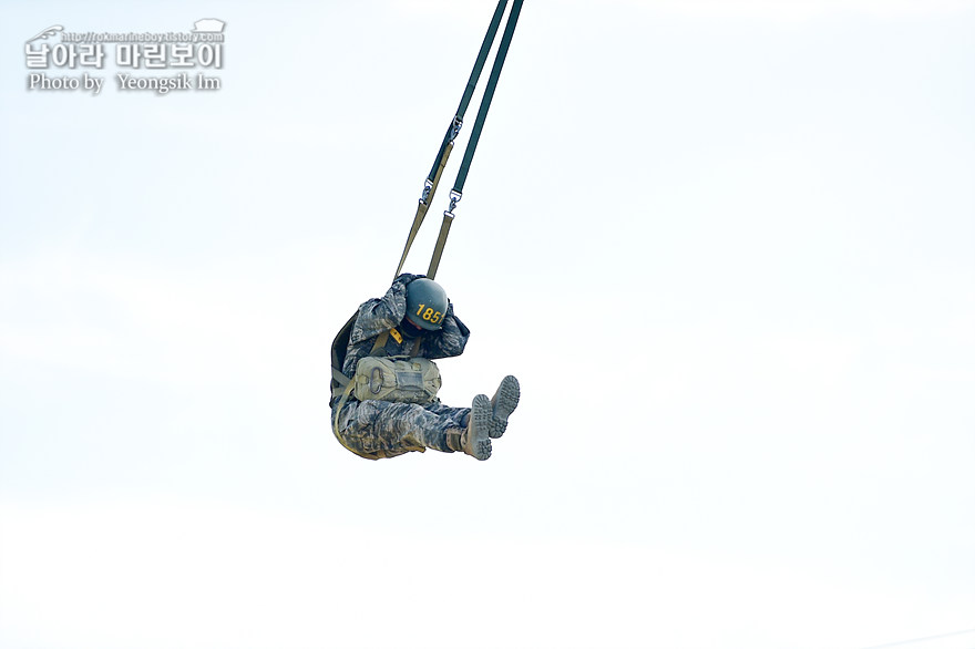 해병대 신병 1273기 1교육대 4주차 공중돌격훈련8_3218.jpg