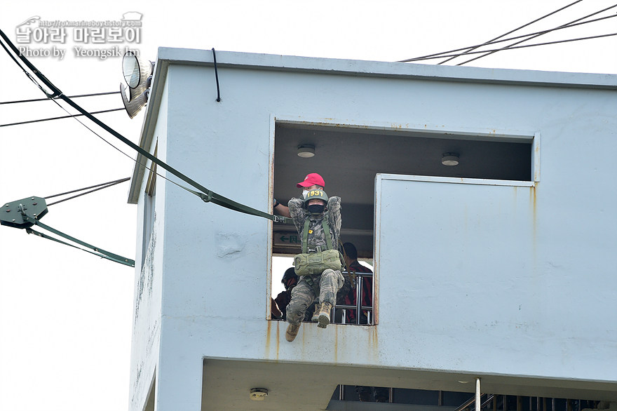 해병대 신병 1273기 1교육대 4주차 공중돌격훈련9_3447.jpg