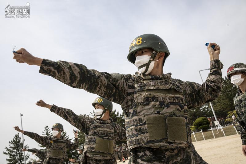 해병대 신병 1268기 5교육대 4주차 – 수류탄투척 훈련 1.jpg