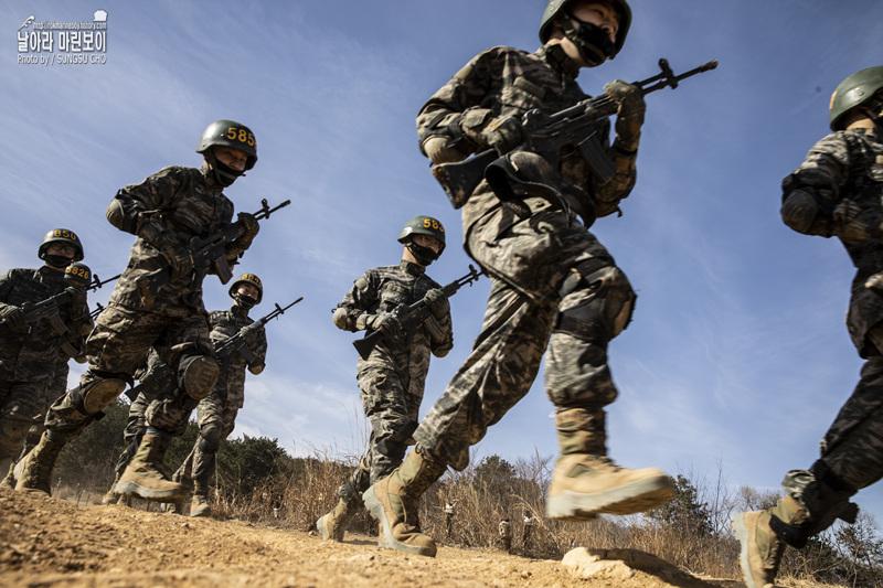 해병대 신병 1266기 5교육대 극기주 - 각개전투훈련, 산악돌격훈련.jpg