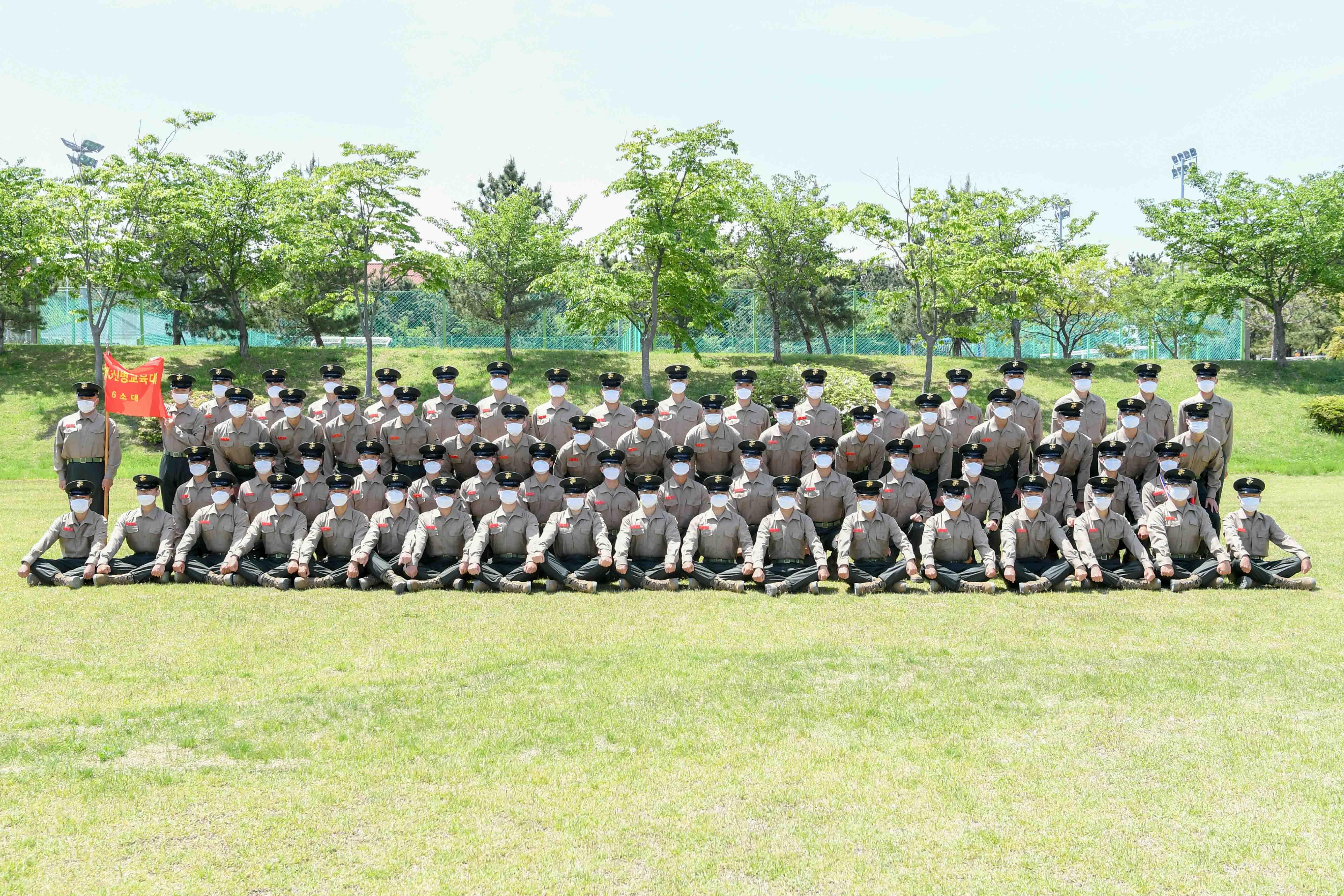 신병1268기 3교육대 수료 기념 단체사진 5.jpg