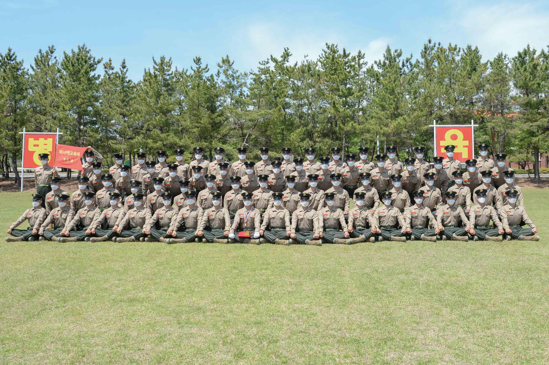 해병대 신병 1268기 5교육대 수료 기념 단체사진 8.jpg