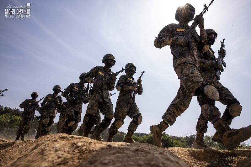 신병 1268기 5교육대 극기주 - 각개전투훈련.jpg