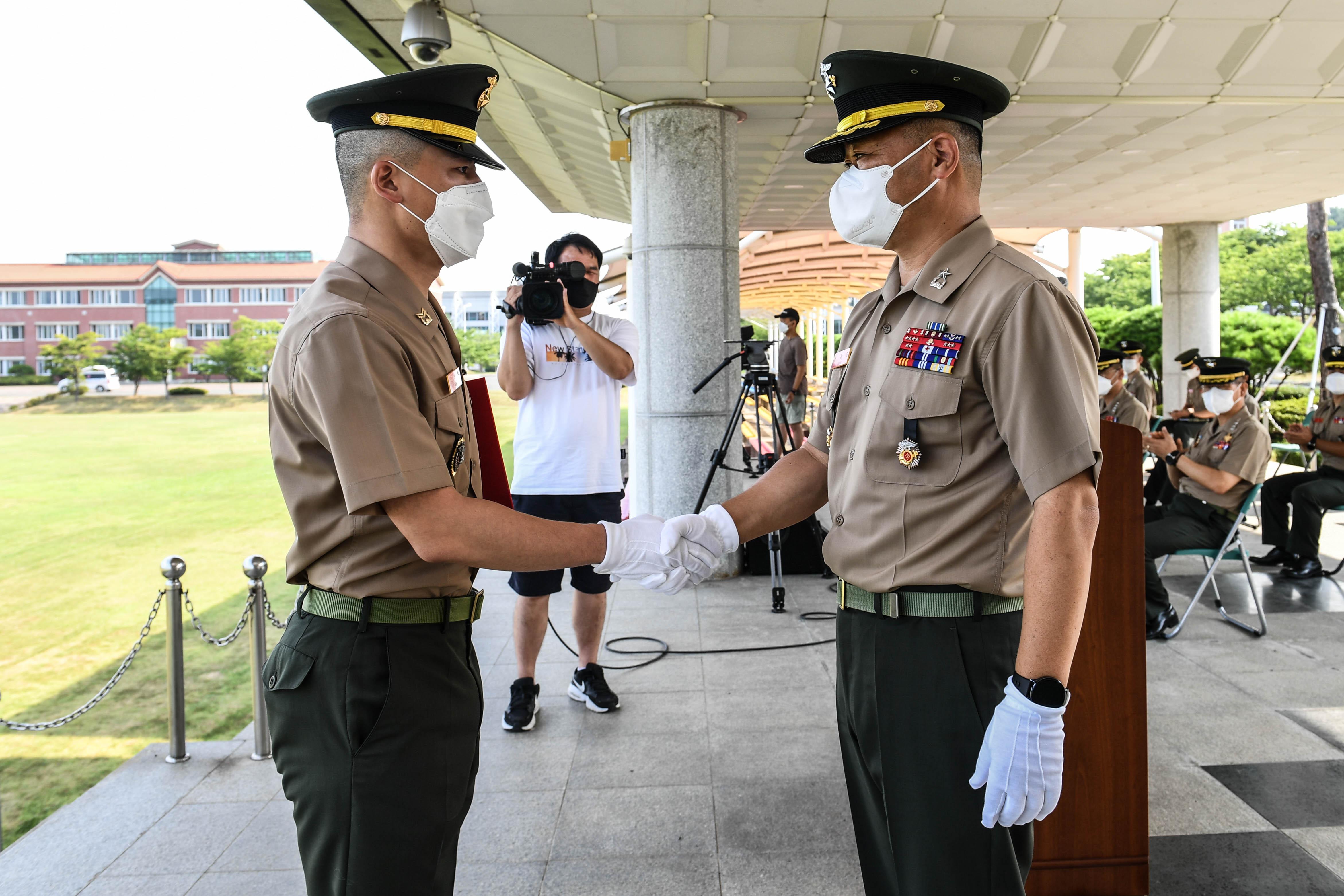 해병대부사관 390기 임관 18.jpg