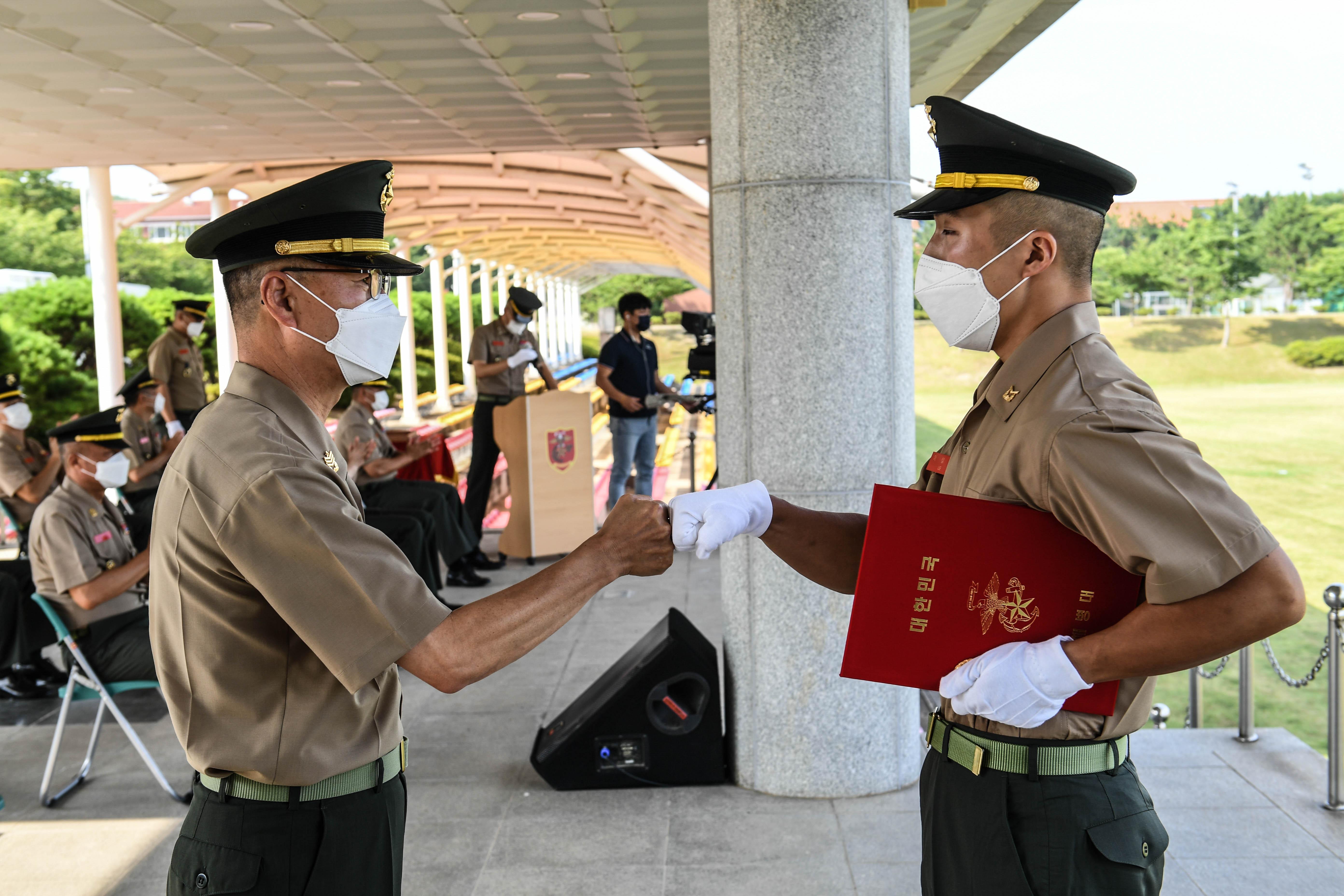 해병대부사관 390기 임관 21.jpg