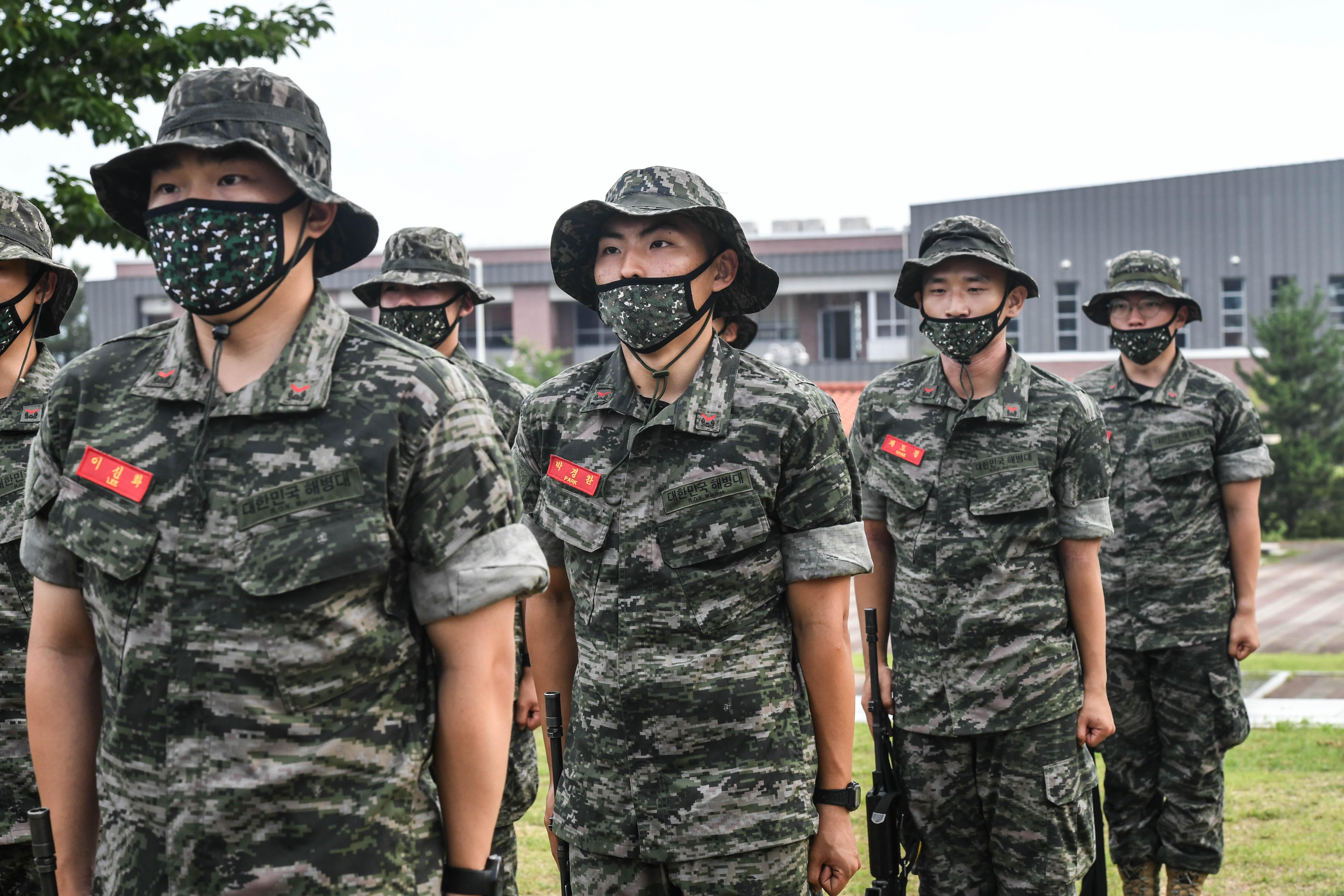 해병대 부사관후보생 390기 빨간명찰수여식 30.jpg