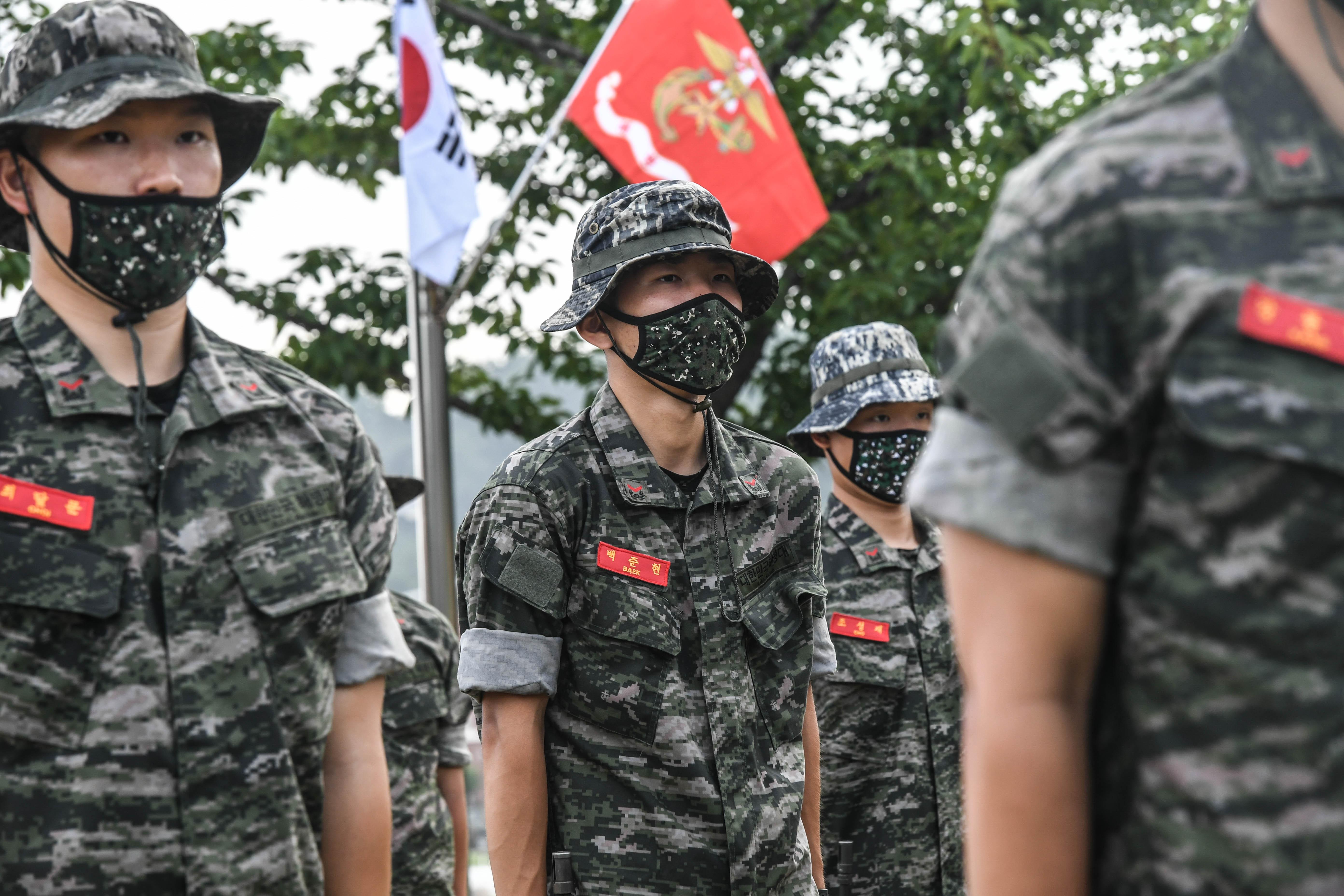 해병대 부사관후보생 390기 빨간명찰수여식 29.jpg