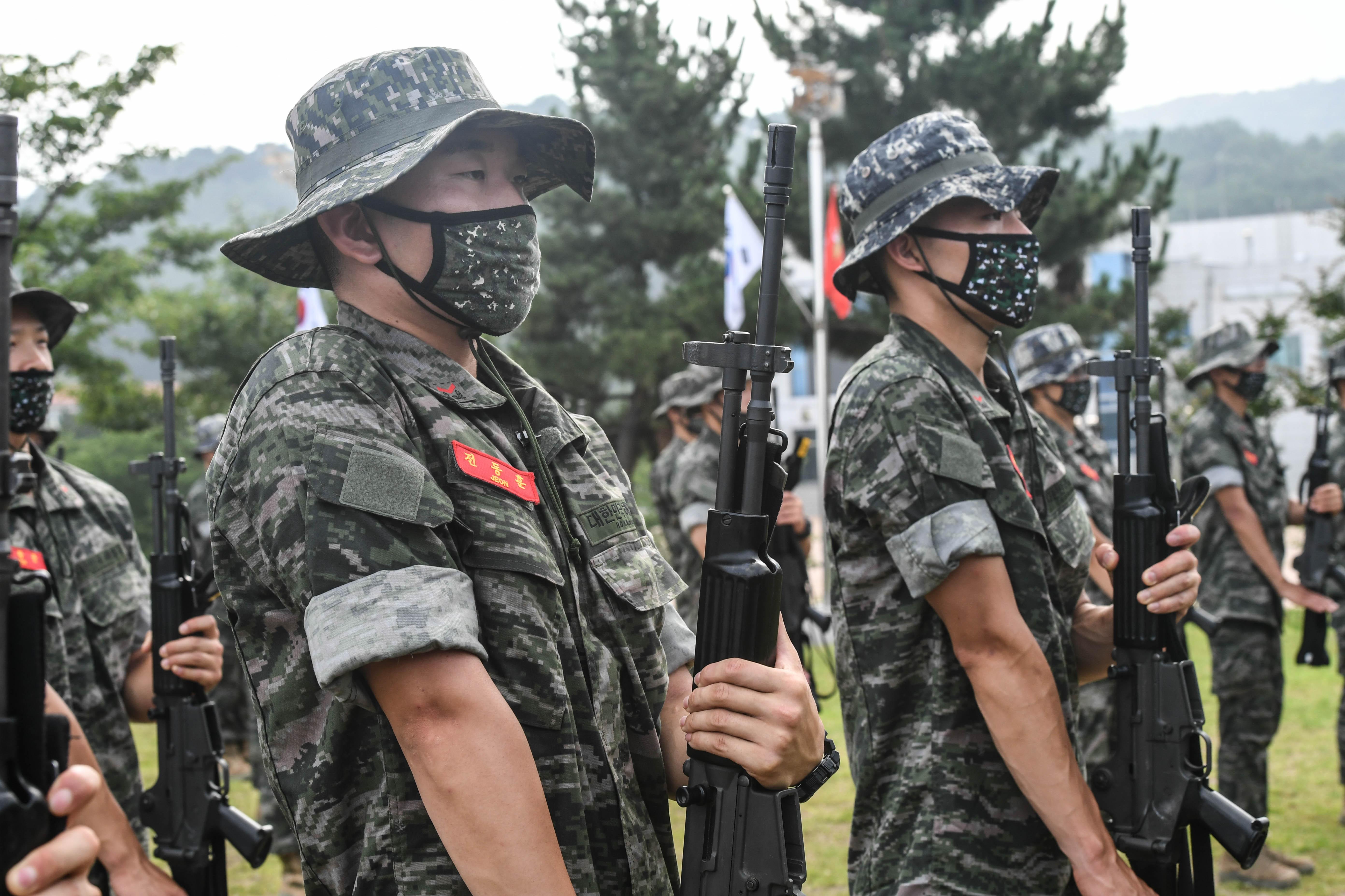 해병대 부사관후보생 390기 빨간명찰수여식 36.jpg