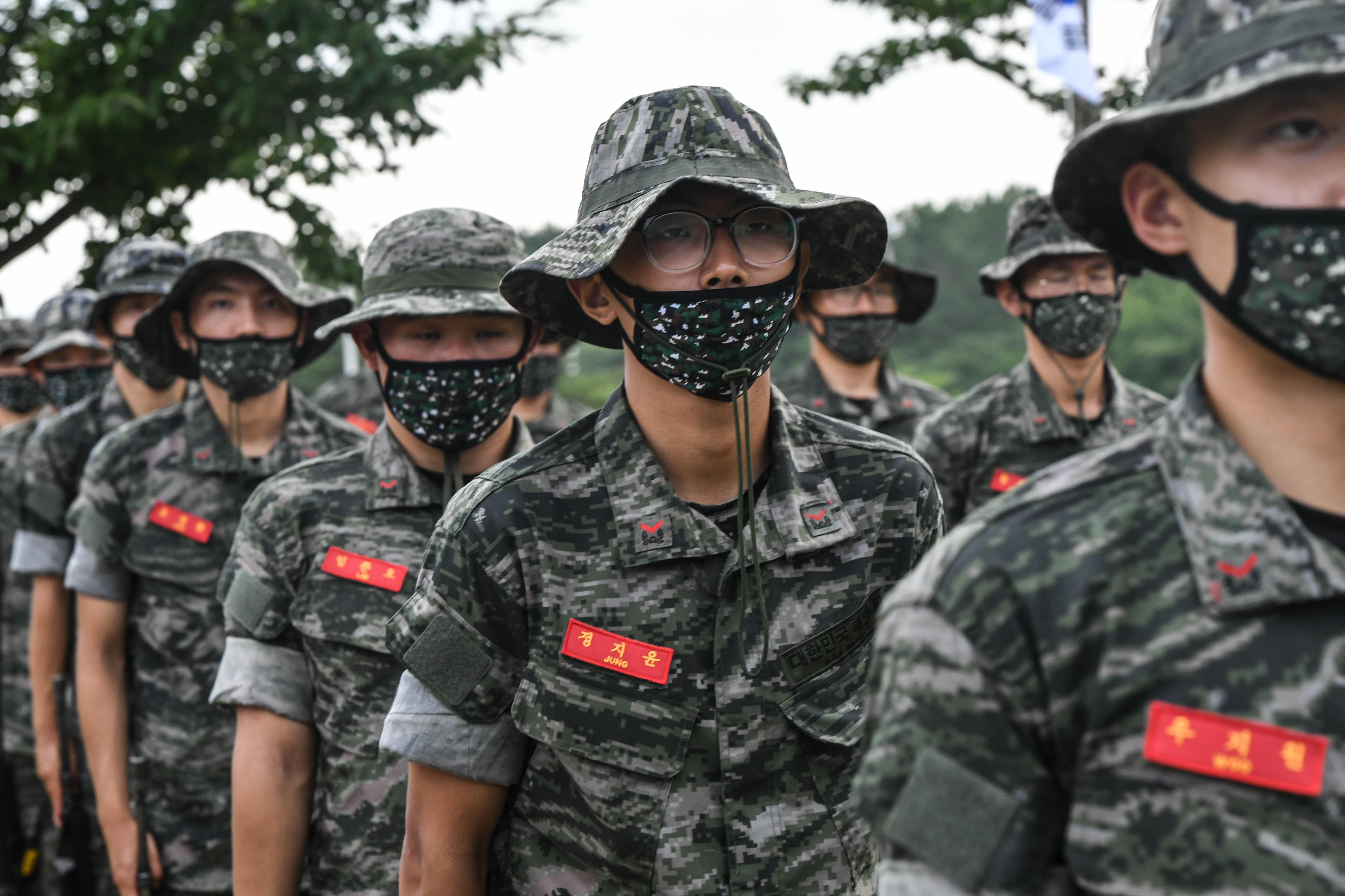 해병대 부사관후보생 390기 빨간명찰수여식 27.jpg