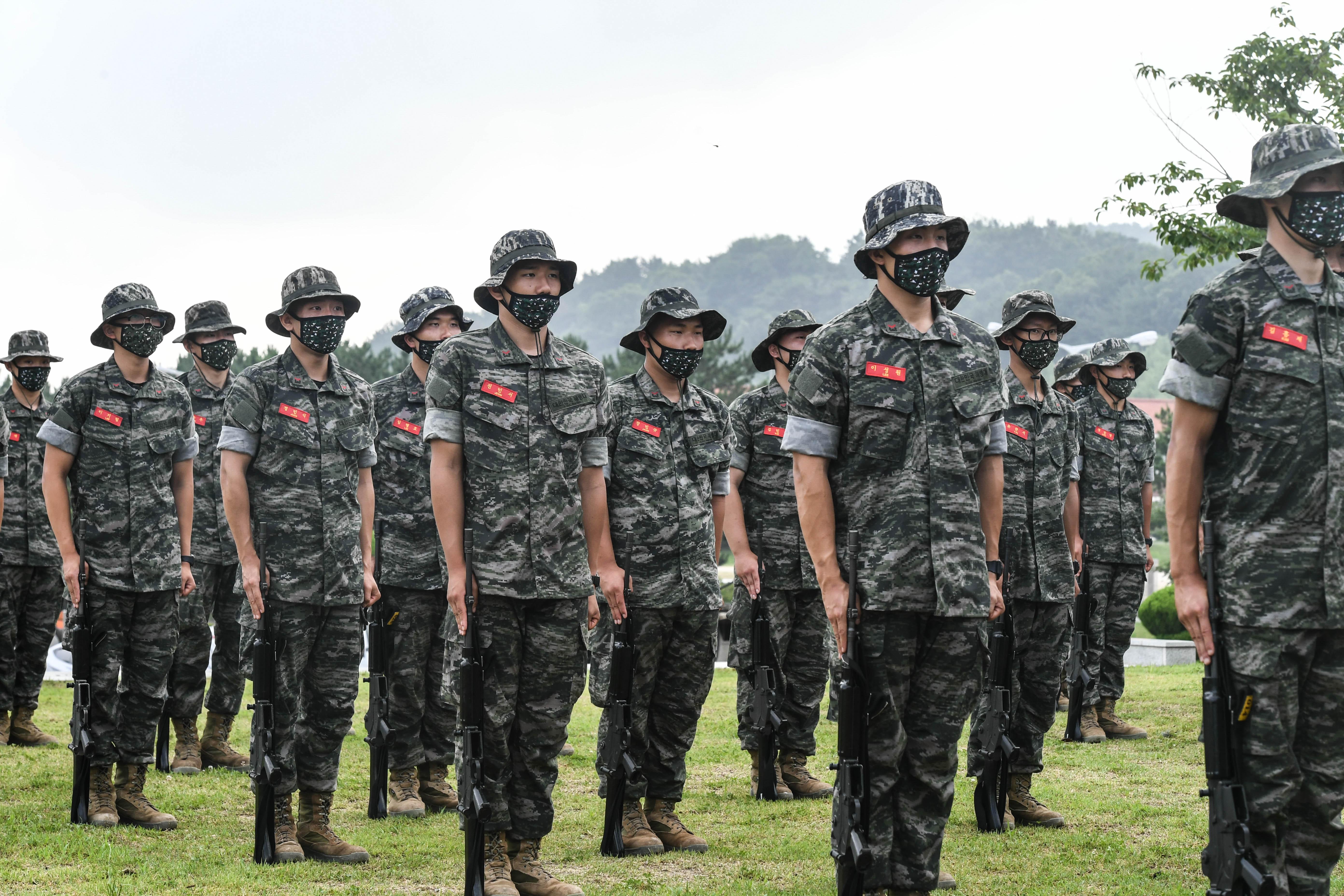 해병대 부사관후보생 390기 빨간명찰수여식 16.jpg