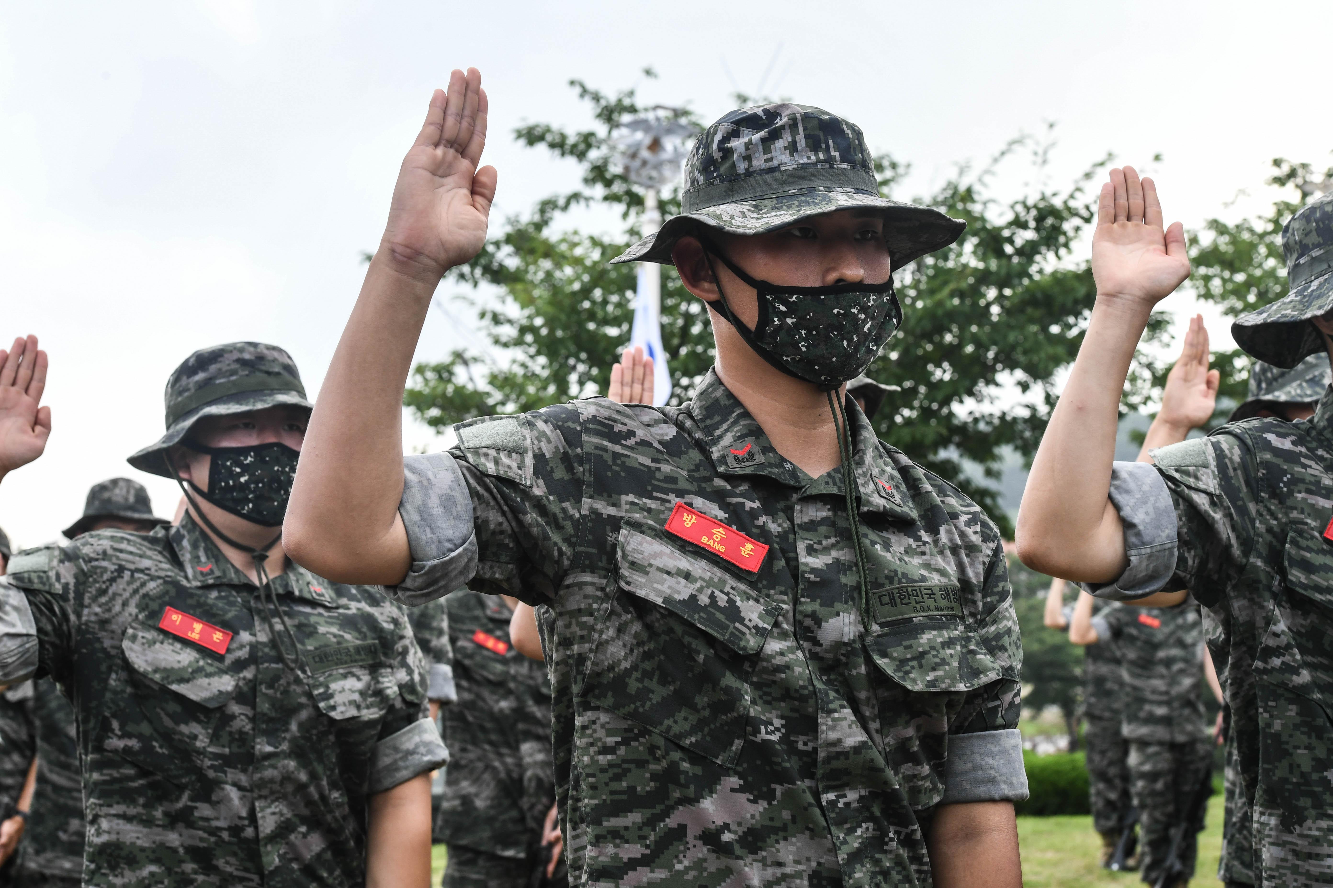 해병대 부사관후보생 390기 빨간명찰수여식 18.jpg