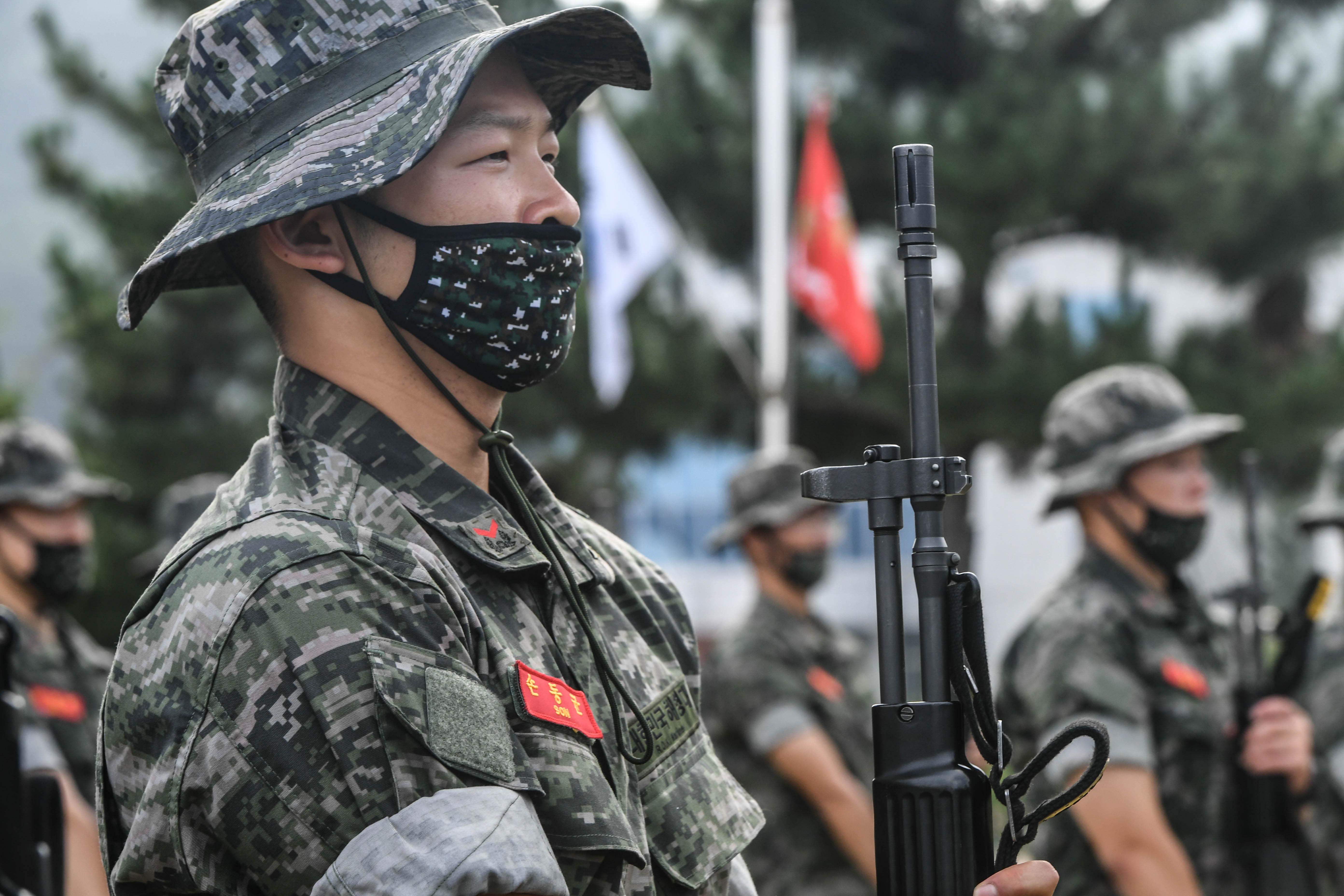해병대 부사관후보생 390기 빨간명찰수여식 35.jpg