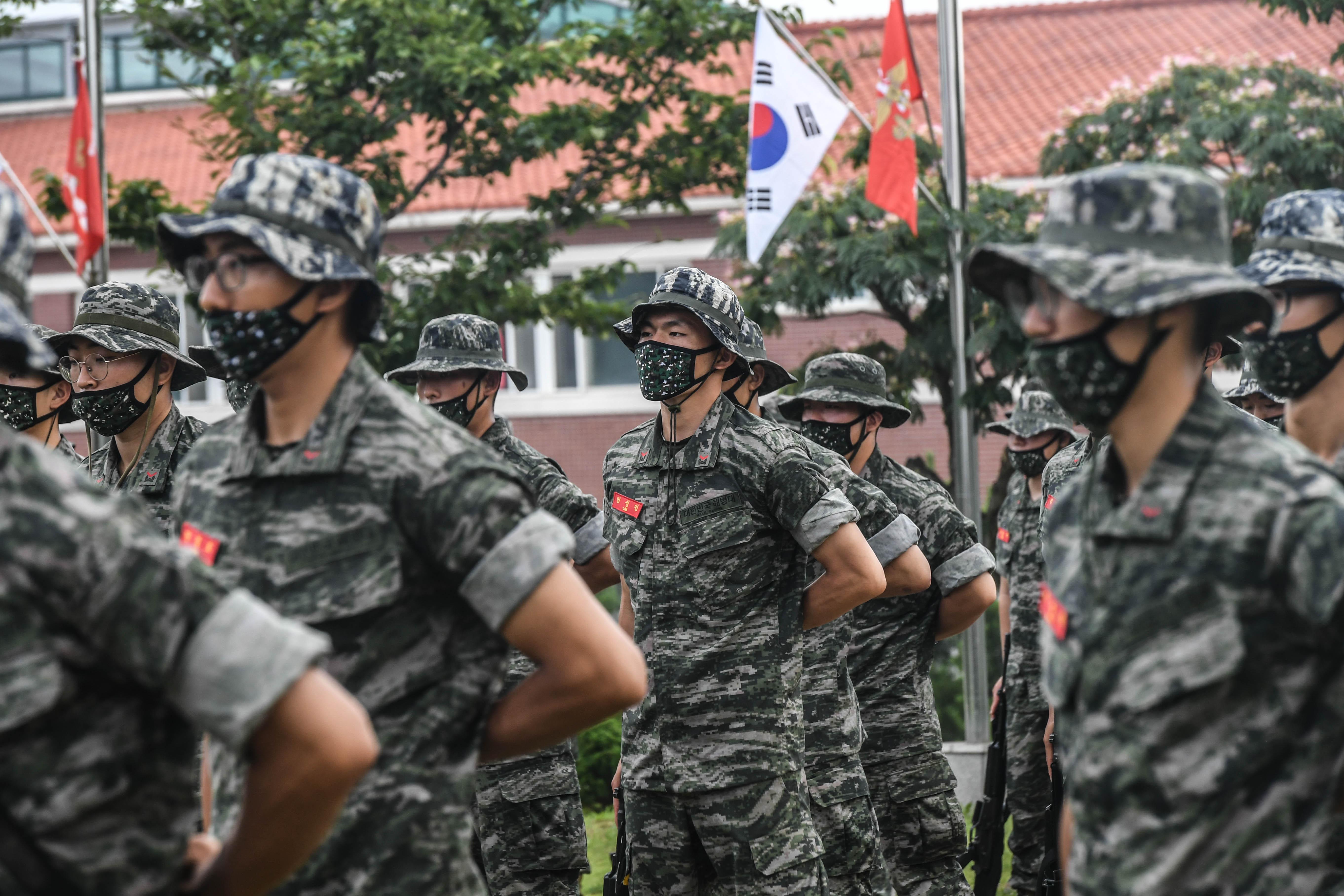 해병대 부사관후보생 390기 빨간명찰수여식 24.jpg