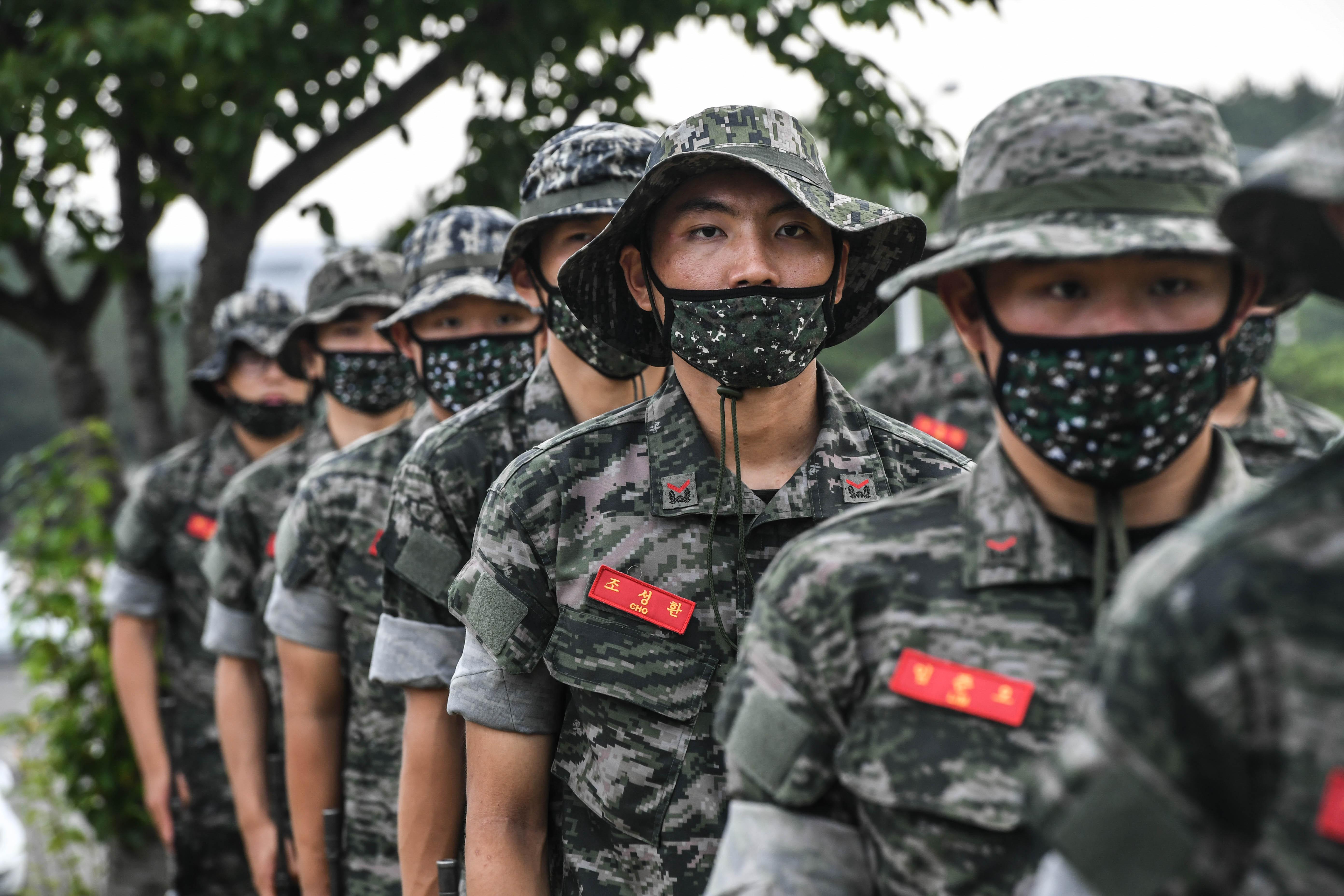 해병대 부사관후보생 390기 빨간명찰수여식 28.jpg