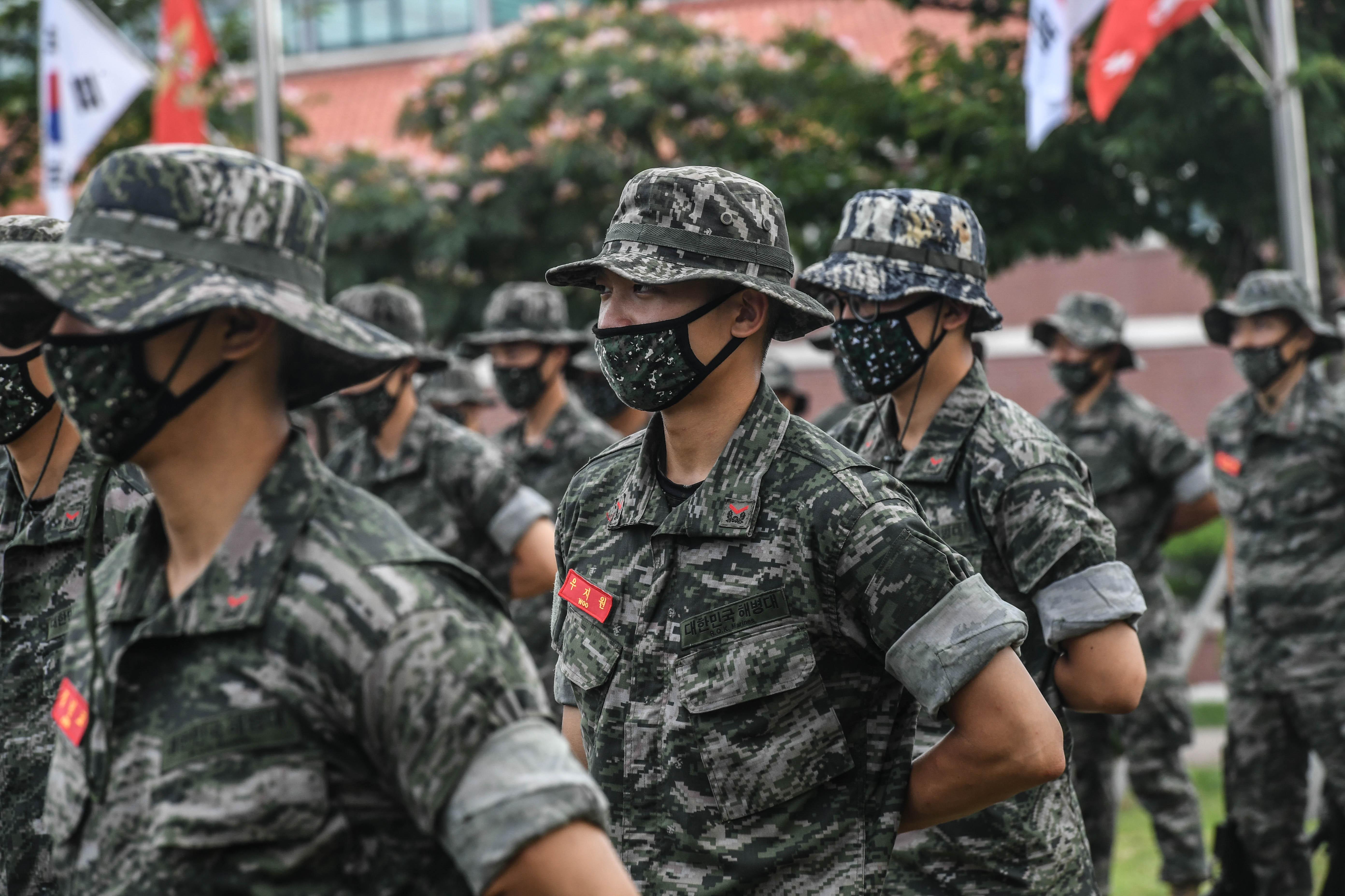 해병대 부사관후보생 390기 빨간명찰수여식 26.jpg