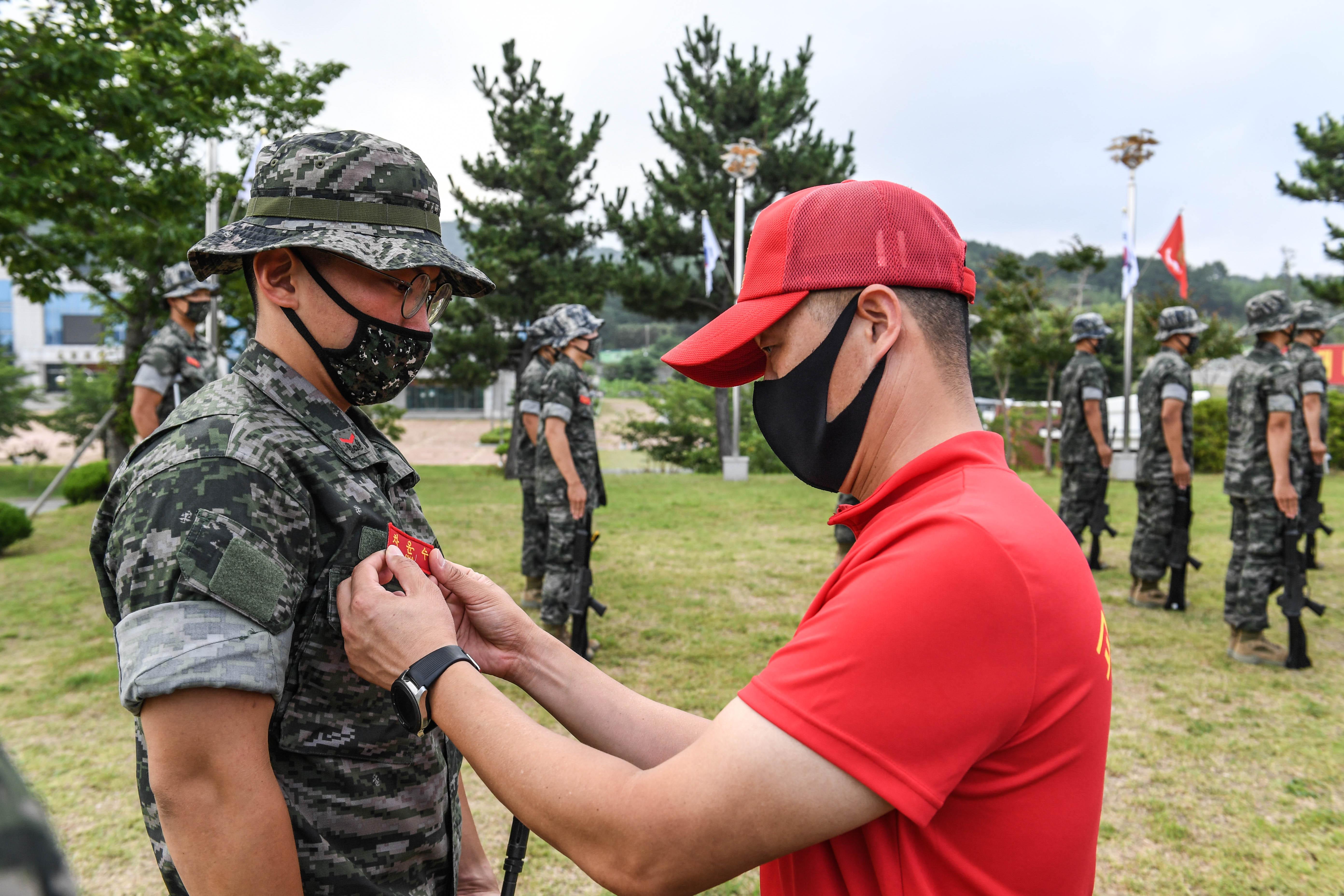 해병대 부사관후보생 390기 빨간명찰수여식 6.jpg