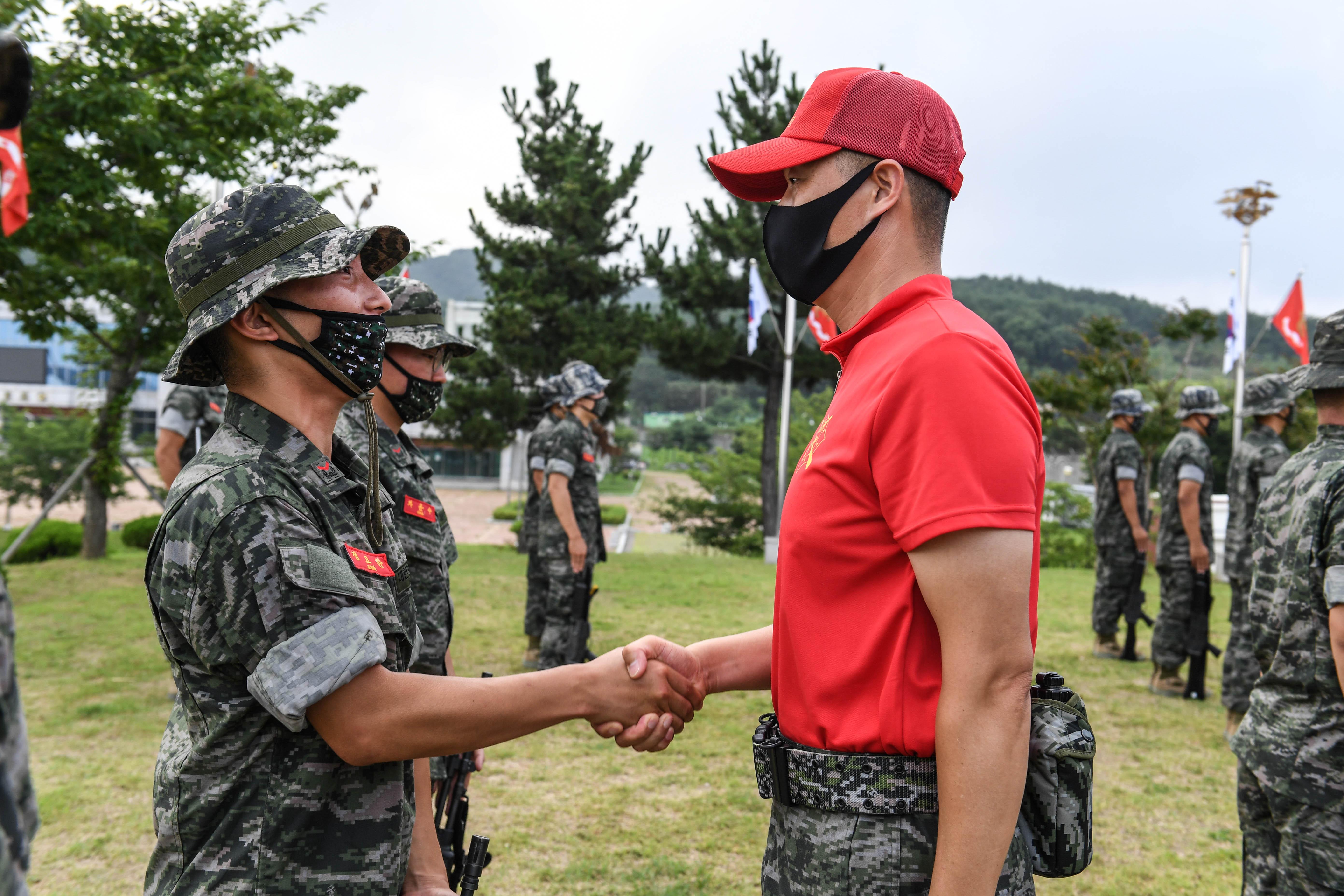 해병대 부사관후보생 390기 빨간명찰수여식 7.jpg