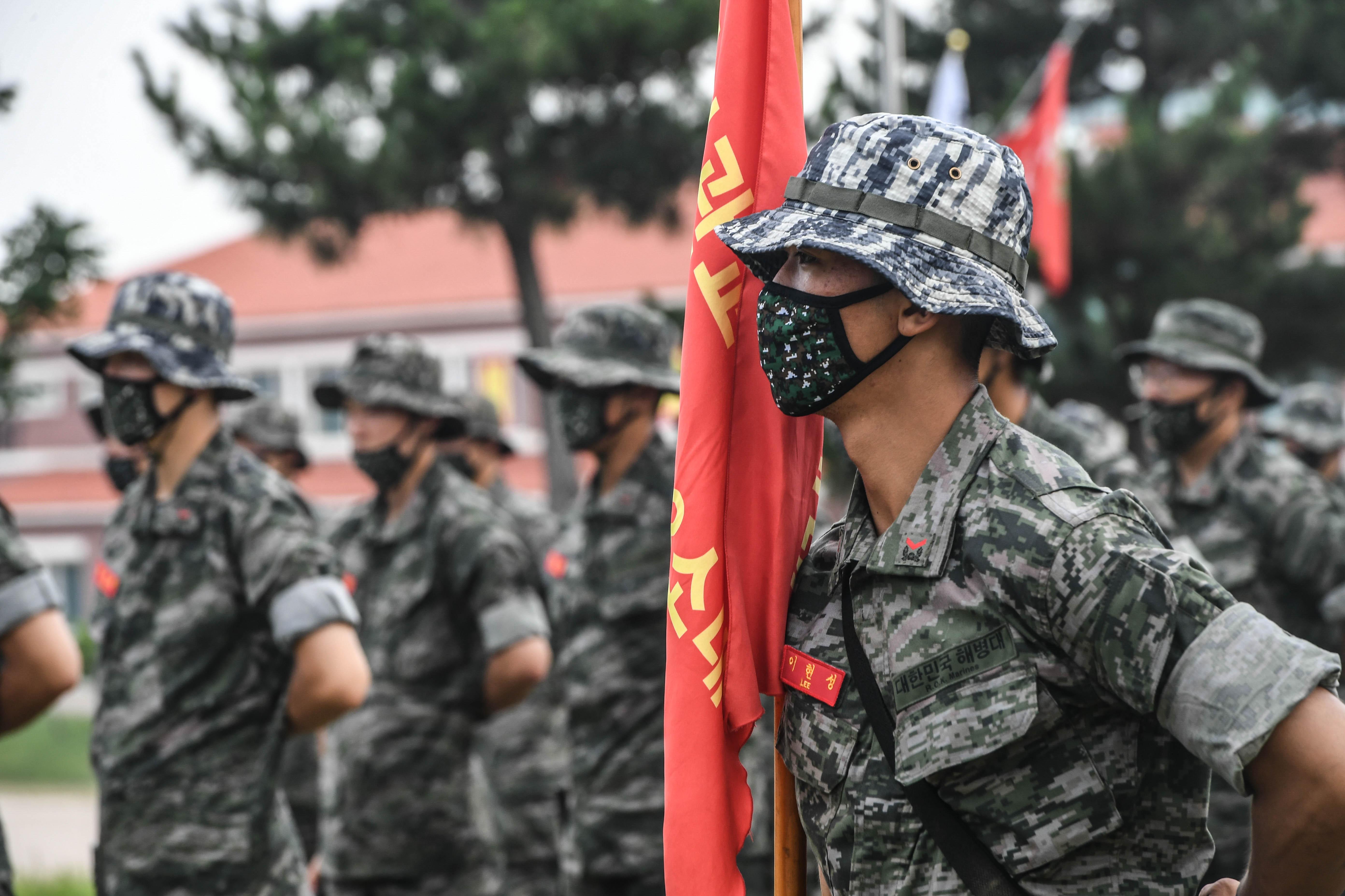 해병대 부사관후보생 390기 빨간명찰수여식 23.jpg
