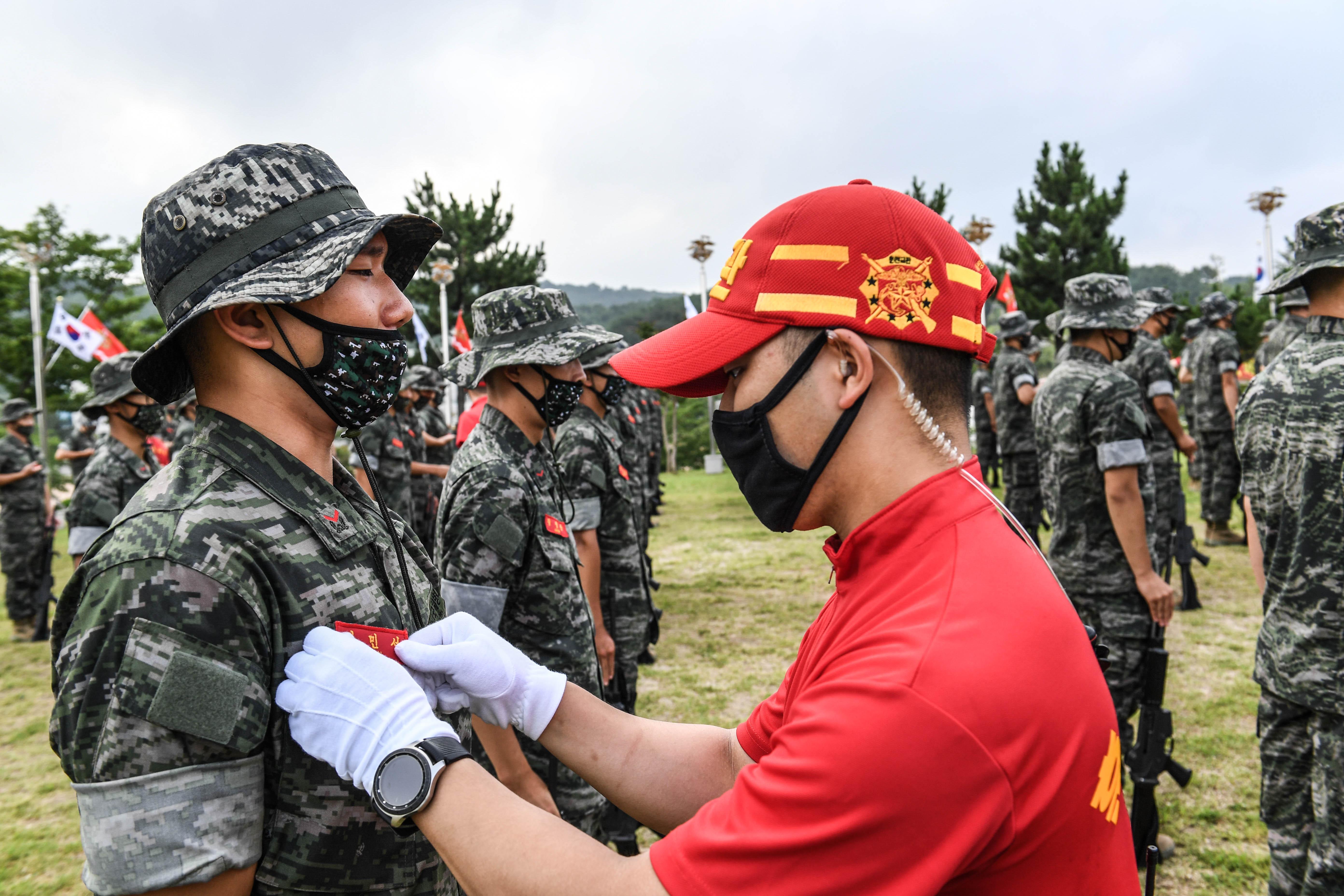 해병대 부사관후보생 390기 빨간명찰수여식 4.jpg