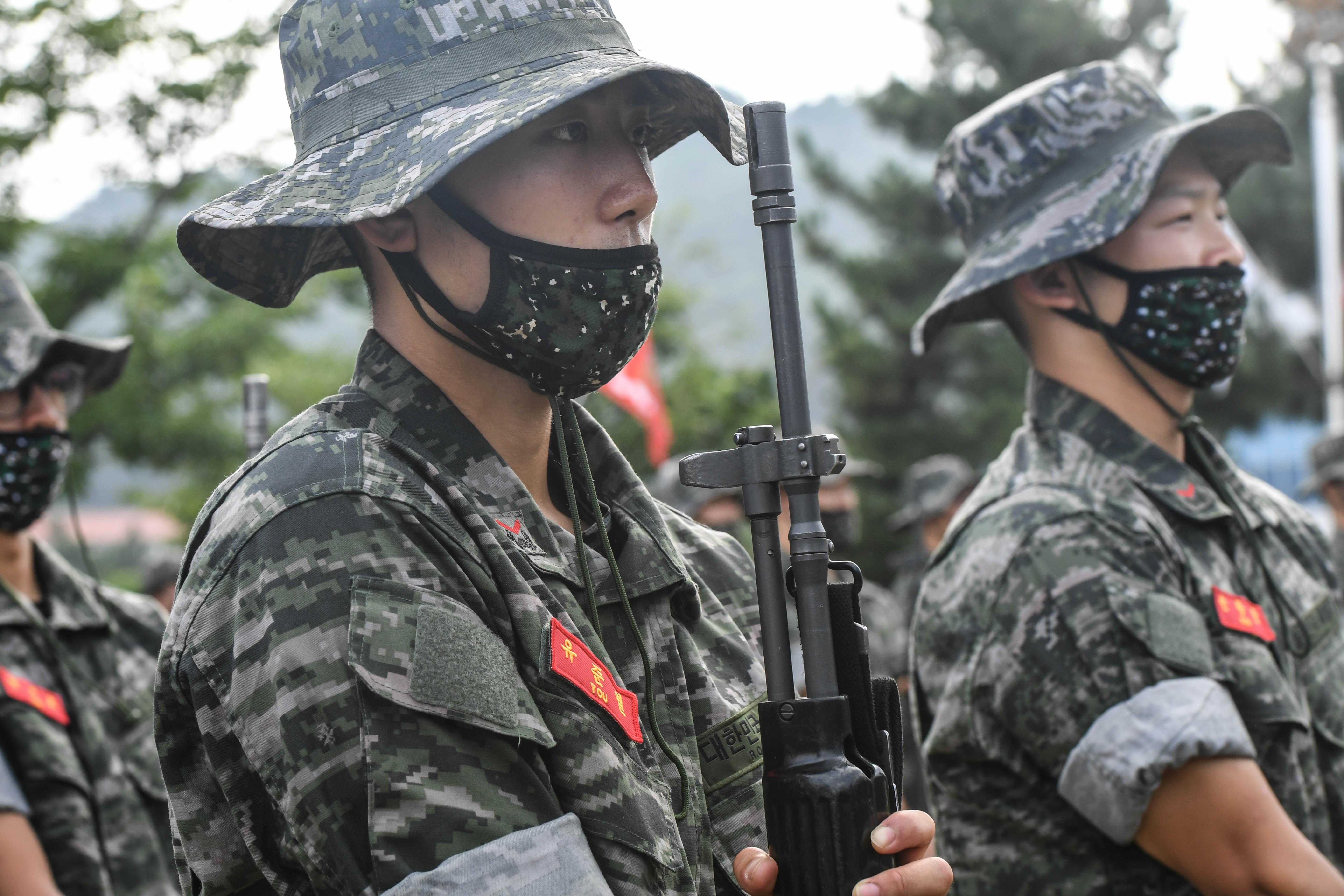 해병대 부사관후보생 390기 빨간명찰수여식 34.jpg